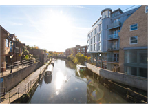 1 Bed Flats And Apartments in Brentford property L2L5115-891