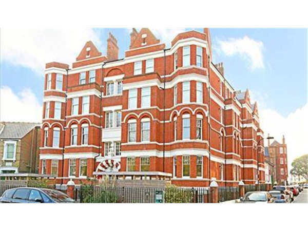 Property & Flats to rent with Featherstone Leigh (Chiswick Sales) L2L5115-430