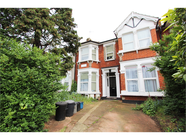 Property & Flats to rent with Hendon Estates L2L5418-435