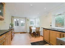 2 Bed Flats And Apartments in Clapham Junction property L2L5487-380