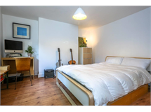 2 Bed Flats And Apartments in London Fields property L2L5510-677