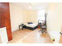 5 Bed House in East Croydon property L2L5590-974