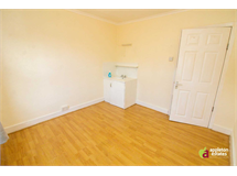 1 Bed House in Selsdon Parade property L2L5590-1000