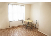 1 Bed Flats And Apartments in Morden property L2L565-506