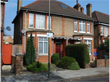 3 Bed House in Hendon property L2L570-458