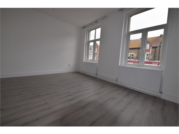 Property & Flats to rent with ABC Estates Ltd (Edgware) L2L570-902