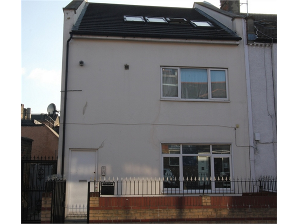 Property & Flats to rent with ABC Estates Ltd (Edgware) L2L570-1346