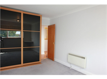 3 Bed Flats And Apartments in Hendon property L2L570-1353