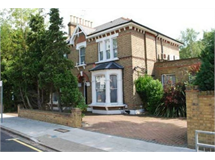 5 Bed House in Finchley Church End property L2L570-1996