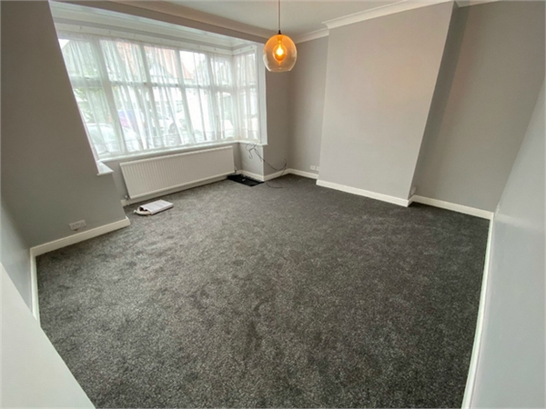Property & Flats to rent with ABC Estates Ltd (Edgware) L2L570-100