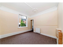 2 Bed Flats And Apartments in Strawberry Hill property L2L5738-1318