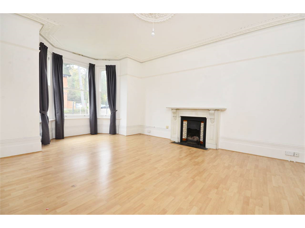Property & Flats to rent with Foxtons Crystal Palace L2L5739-1134