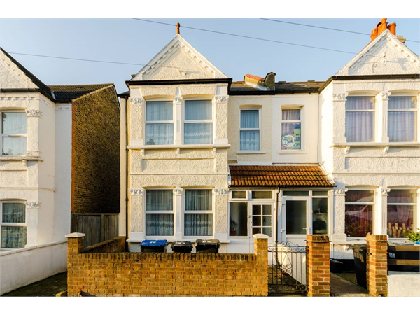 Property & Flats to rent with Foxtons Crystal Palace L2L5739-1292