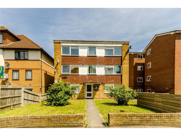Property & Flats to rent with Foxtons Crystal Palace L2L5739-1387