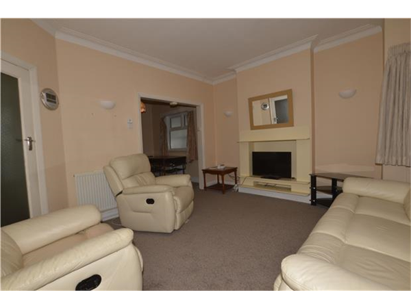 Property & Flats to rent with Andrews Estate Agents (KINGSBURY) L2L5769-498