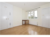 2 Bed Flats And Apartments in Queensbury property L2L5769-415