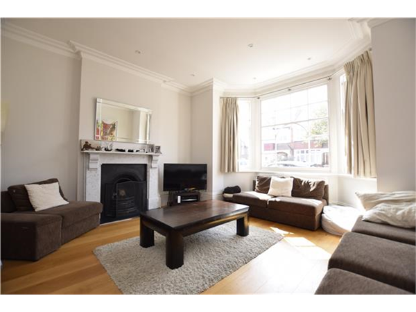Property & Flats to rent with Andrews Estate Agents (PUTNEY) L2L5770-562