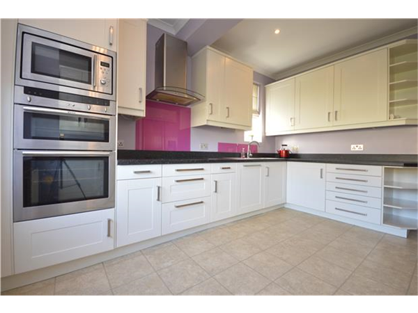 Property & Flats to rent with Andrews Letting and Management (MORDEN ) L2L5785-535