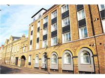 1 Bed Flats And Apartments in Romford property L2L5786-584