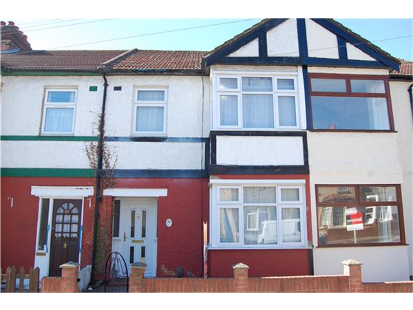 Property & Flats to rent with Andrews Letting and Management (ROMFORD) L2L5786-973