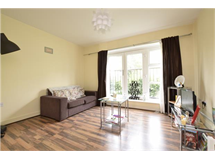 2 Bed Flats And Apartments in Romford property L2L5786-686