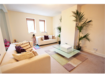 2 Bed Flats And Apartments in South Croydon property L2L5947-1268