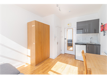 1 Bed Flats And Apartments in Earls Court property L2L5992-1754