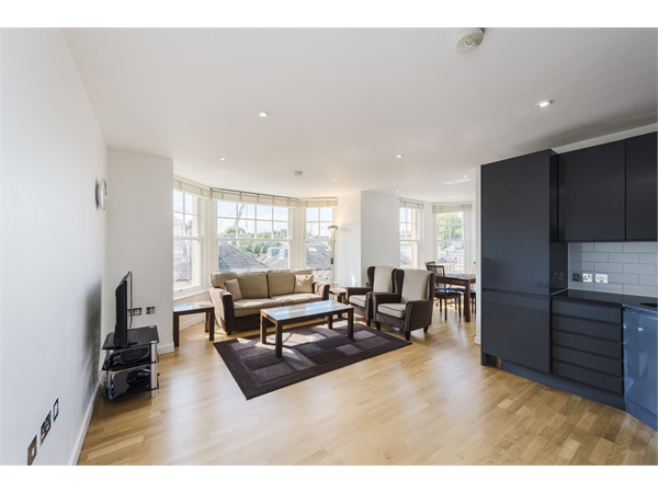 Property & Flats to rent with Martin & Co : Chelsea L2L5992-1138