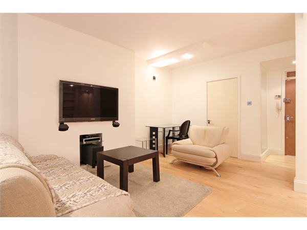Property & Flats to rent with Martin & Co : Chelsea L2L5992-1172