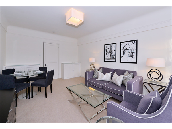 Property & Flats to rent with Martin & Co : Chelsea L2L5992-1353
