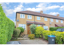 2 Bed House in Chessington property L2L6001-373