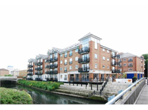 2 Bed Flats And Apartments in Brentford property L2L6022-826