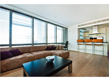 2 Bed Flats And Apartments in Canary Wharf property L2L605-598
