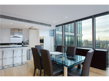 2 Bed Flats And Apartments in Canary Wharf property L2L605-565