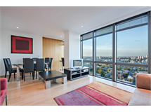 2 Bed Flats And Apartments in Canary Wharf property L2L605-1402