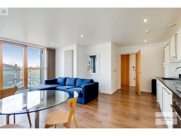 Property & Flats to rent with Martin & Co : London Bridge L2L6052-653
