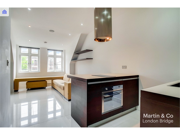 Property & Flats to rent with Martin & Co : London Bridge L2L6052-855
