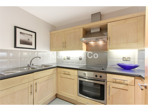 Property & Flats to rent with Martin & Co : London Bridge L2L6052-799