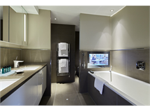3 Bed Flats And Apartments in Tower Hill property L2L6052-557