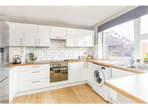 3 Bed Flats And Apartments in Merton property L2L6060-522