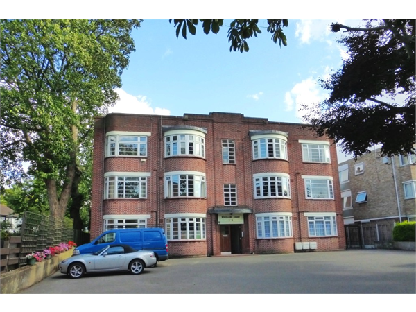 Property & Flats to rent with Martin & Co : Wanstead L2L6083-841
