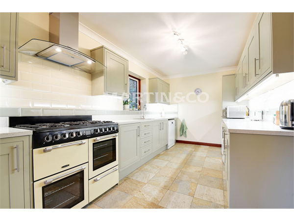 Property & Flats to rent with Martin & Co : Wanstead L2L6083-629