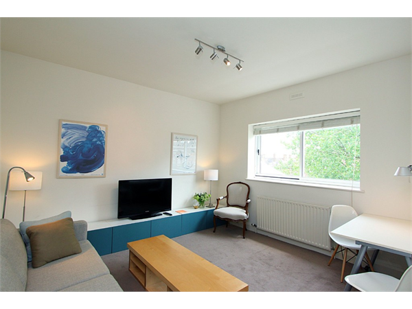 Property & Flats to rent with Martin & Co : Camden L2L6085-1267