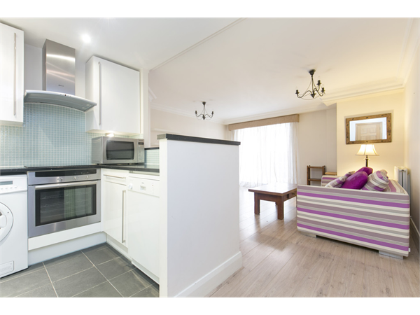 Property & Flats to rent with Martin & Co : Camden L2L6085-100