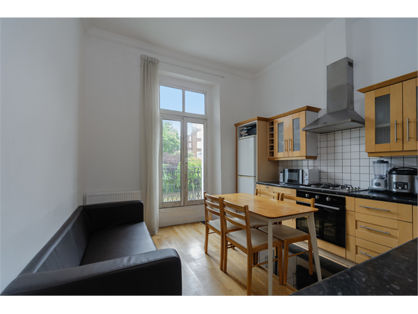 Property & Flats to rent with Martin & Co : Camden L2L6085-1309