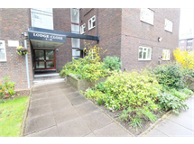 1 Bed Flats And Apartments in Edgwarebury property L2L619-995