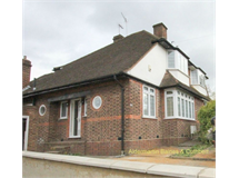 2 Bed House in Finchley Church End property L2L619-3159