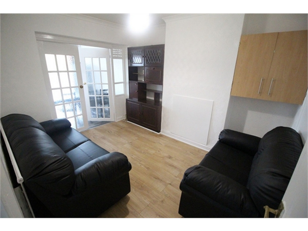 Property & Flats to rent with ABC Estates Ltd (Hendon) L2L619-1190