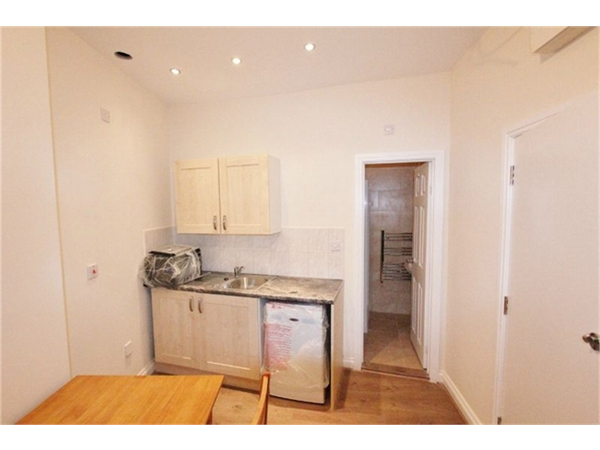 Property & Flats to rent with ABC Estates Ltd (Hendon) L2L619-2016