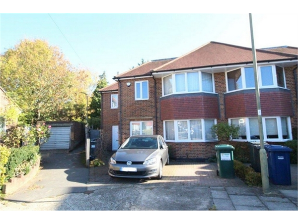 Property & Flats to rent with ABC Estates Ltd (Hendon) L2L619-3082